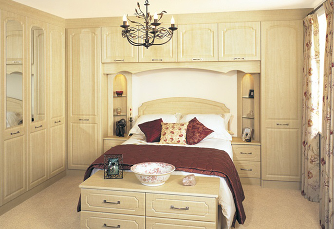 Ashford maple fitted bedroom furniture interior designs for Fitted bedroom ideas for small rooms