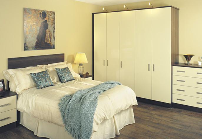 Everybody Loves Raymond Bedroom Set : East And Amazing Bedroom Set On ...